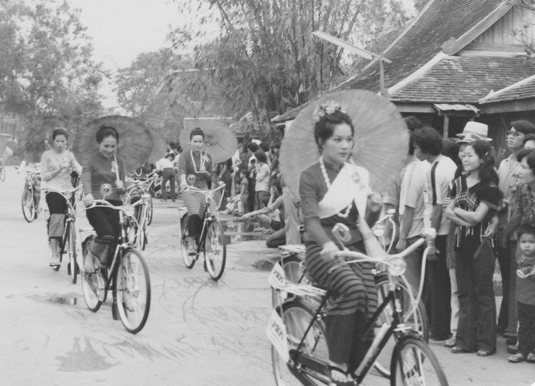 chiang-mai-women-cycling-beauty-contest